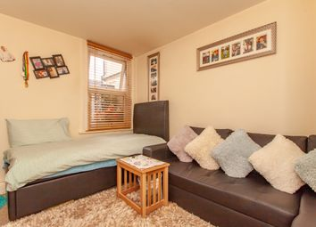 Thumbnail 1 bedroom maisonette for sale in Richmond Road, Reading, Berkshire