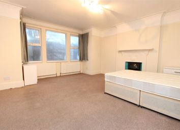 Thumbnail Room to rent in Twyford Avenue, London