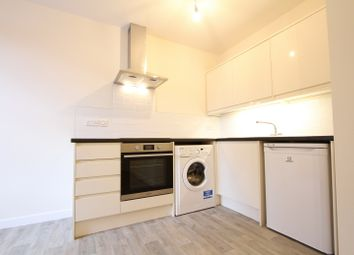 Thumbnail 1 bed flat to rent in White Lion Walk, Banbury