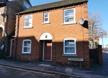 Buxton Road, Luton, Beds LU1. 1 bed flat to rent