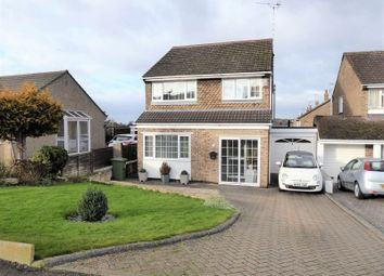 Thumbnail 3 bed detached house for sale in Kennet Avenue, Swindon