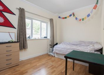 Thumbnail 5 bed duplex to rent in Hendre Road, Elephant And Castle, London