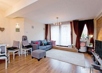 Thumbnail 1 bed flat to rent in Wapping Lane, London