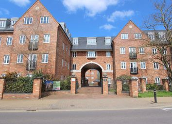 Thumbnail 2 bed flat to rent in Leighton Road, Leighton Buzzard