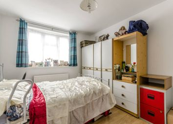 Thumbnail 1 bed flat for sale in Cropley Street, Islington