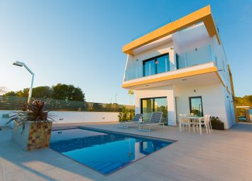 Thumbnail 3 bed villa for sale in Valencia, Alicante, Pilar De La Horadada