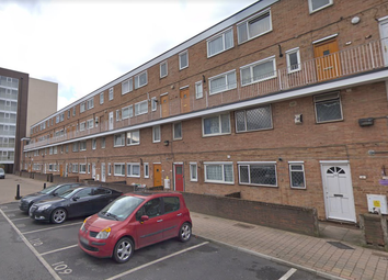 2 bed maisonette to rent in Wager Street, London E3