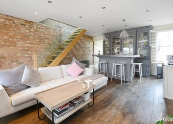 Thumbnail 3 bedroom flat to rent in New King's Road, London