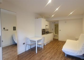Thumbnail Studio to rent in Willoughby Road, Turnpike Lane, London