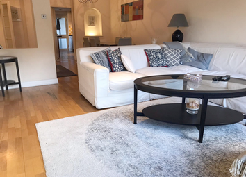 Thumbnail 3 bed flat to rent in Montrose Court, Knightsbridge