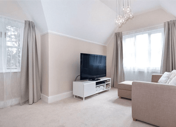 Thumbnail 3 bed flat to rent in Bath Road, Maidenhead