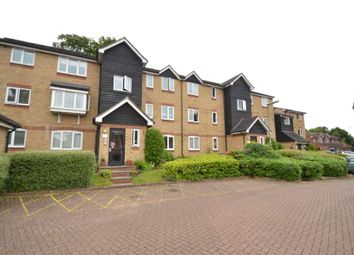 Thumbnail 2 bedroom flat to rent in Dunnymans Road, Woodmansterne