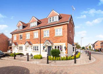 3 bed town house for sale in Avocet Walk, Bracknell RG12
