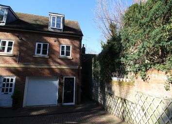 2 bed semi-detached house to rent in Park Street, Hitchin SG4
