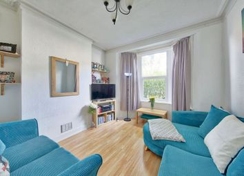 Thumbnail 1 bed flat to rent in Strathville Road, Earlsfield