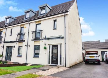 Thumbnail 3 bed town house for sale in Crofton Drive, Renfrew