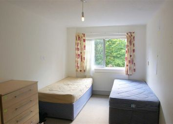 Thumbnail 4 bed flat to rent in Cheltenham Place, London