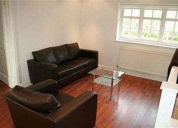 Thumbnail 2 bed flat to rent in Neale Close N2, Hampstead Garden Suburb