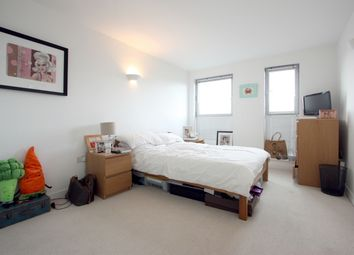 Thumbnail 2 bed flat to rent in Southgate Road, Hoxton/Islington