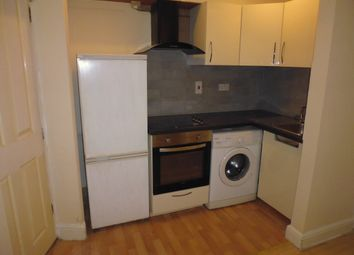 1 bed flat to rent in Tooting High Street, Tooting Bec, Tooting Broadway, Balham SW17