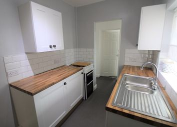Hall Street, Mansfield, Notts NG18. 4 bed end terrace house to rent