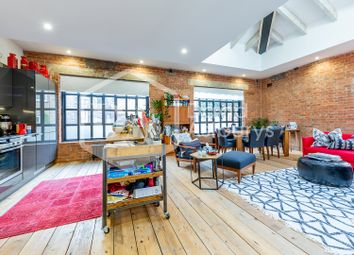 Thumbnail 2 bed flat to rent in City Garden Row, Angel Old Street, London