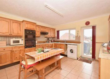 2 bed detached bungalow for sale in First Avenue, Clanfield, Waterlooville, Hampshire PO8