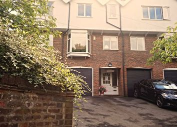 Thumbnail 3 bed flat to rent in Amersham Hill, High Wycombe