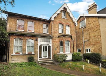 Thumbnail 2 bed flat to rent in Park Hill, Carshalton