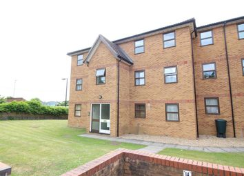 Thumbnail 2 bedroom flat to rent in Station Road, Kings Langley