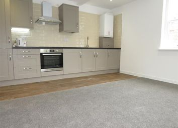Thumbnail 2 bedroom flat to rent in Birmingham Road, Warwick