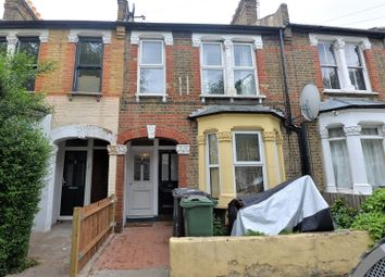 2 bed maisonette to rent in Callis Road, Walthamstow, London E17