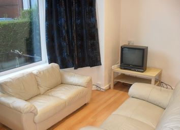 Thumbnail 3 bed flat to rent in Headingley Avenue, Leeds, Headingley
