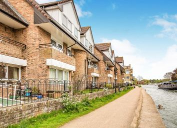 2 bed flat for sale in Isis Court, Reading RG1