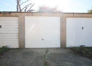 Thumbnail Property to rent in Cedar Avenue, Worthing