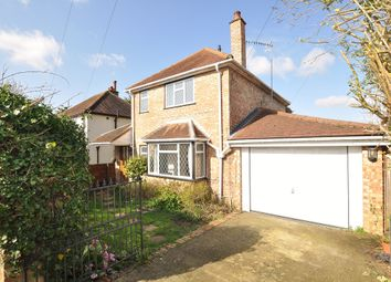 3 bed detached house to rent in Ardmore Avenue, Guildford GU2