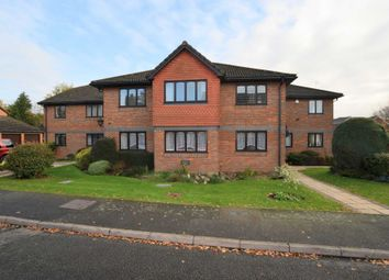 Thumbnail 2 bed flat to rent in Hervines Court, Amersham