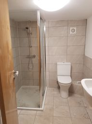 Thumbnail 3 bed flat to rent in Brook Road, Fallowfield