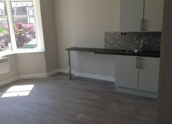 Thumbnail 1 bed flat to rent in Perry Hill, London