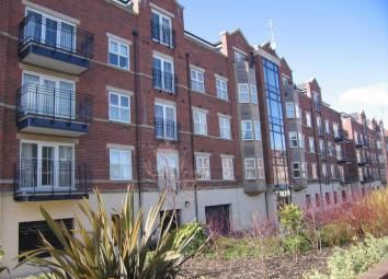 Thumbnail 3 bed flat to rent in Carisbrooke Road, Weetwood, Leeds