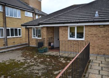 Thumbnail 2 bed property to rent in Alvescot Road, Carterton