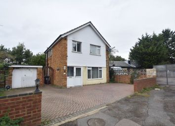 3 bed detached house for sale in Runfold Avenue, Luton LU3