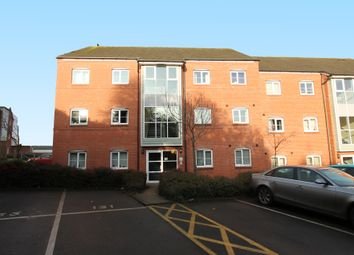 Thumbnail 2 bed flat to rent in Cape Road, Warwick