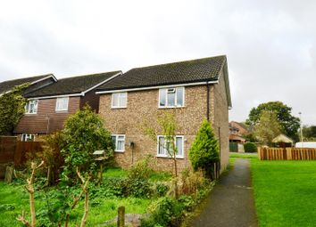 Thumbnail 2 bed flat to rent in Teazle Close, Petersfield