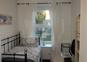 Room to rent in Room 4, 18 Rupert Road, Guildford, 7Ne- No Admin Fees! GU2