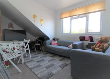 2 bed flat to rent in Eastern Avenue, Ilford IG2