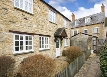 Thumbnail 2 bed cottage to rent in High Street, Witney
