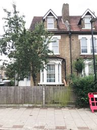 3 bed flat to rent in Park Lane, London N17
