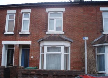 3 bed property to rent in Burton Road, Polygon, Southampton SO15