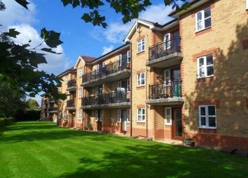 Thumbnail 2 bedroom flat for sale in Elliotts Way, Caversham, Reading
